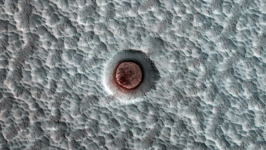 NASA watched the ice in this Mars crater dance over a dozen years – CNET