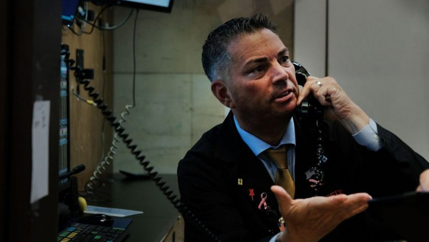 Treasury Yields Hover Near 6-Week Low as Key Indicator Foretells Devastating Stock Market Correction
