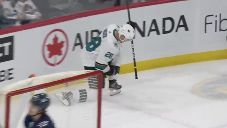 Sharks rally past Jets with two goals in third period