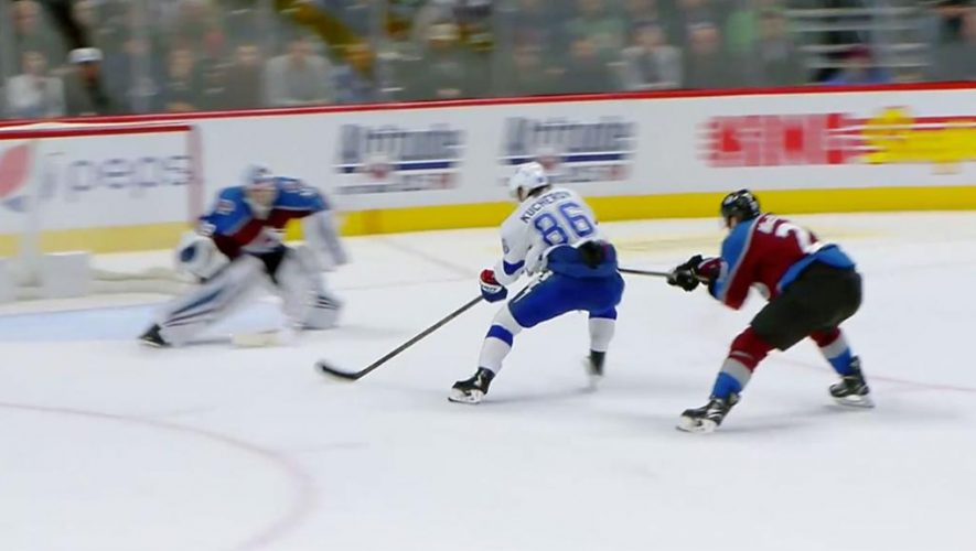 Lightning extend winning streak to 11 with OT victory against Avalanche