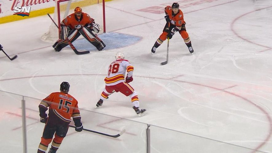 Mangiapane scores hat trick, Flames rally past Ducks with five in third